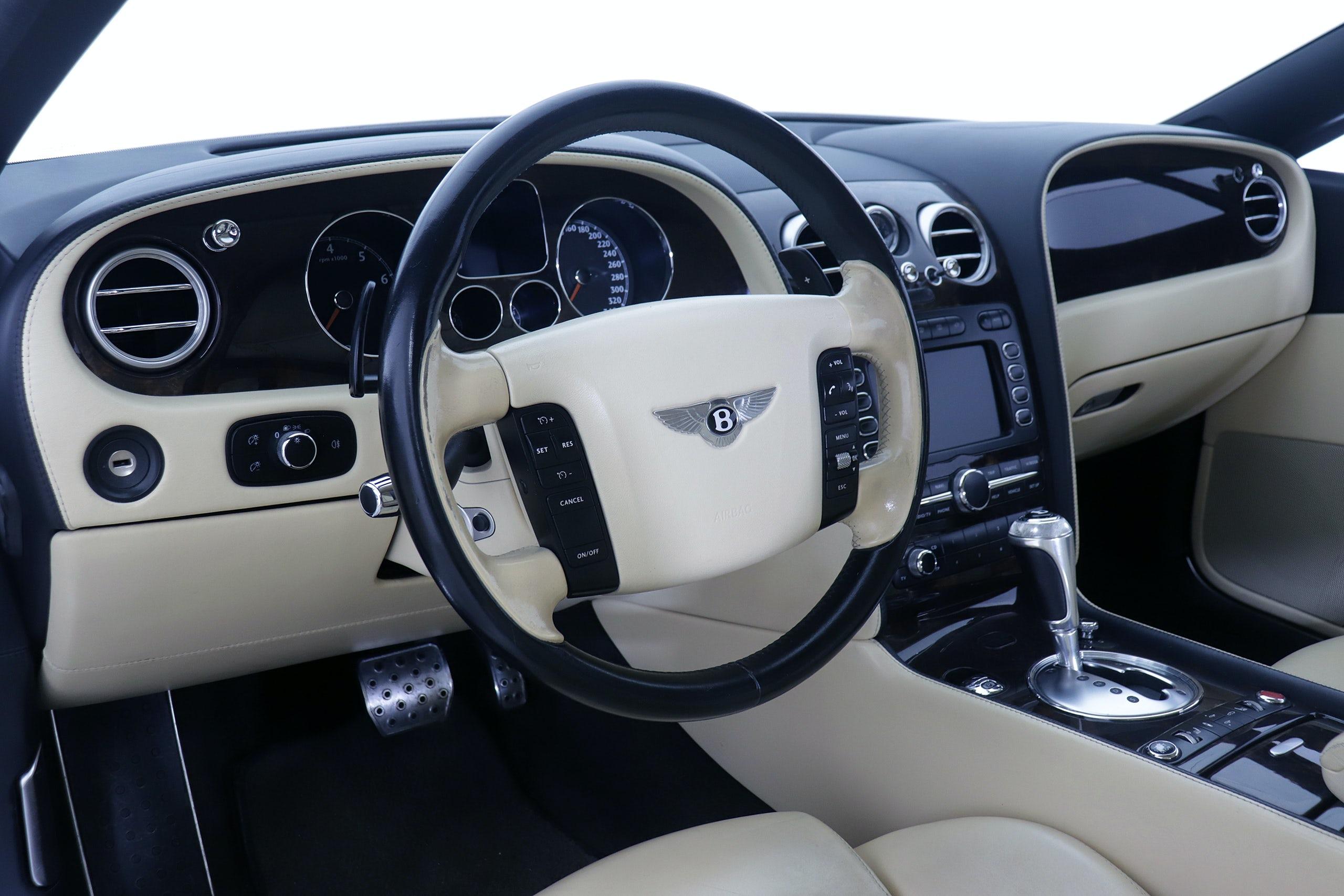 Bentley Continental GT 6.0 560cv Mulliner Auto 2p - Foto 18