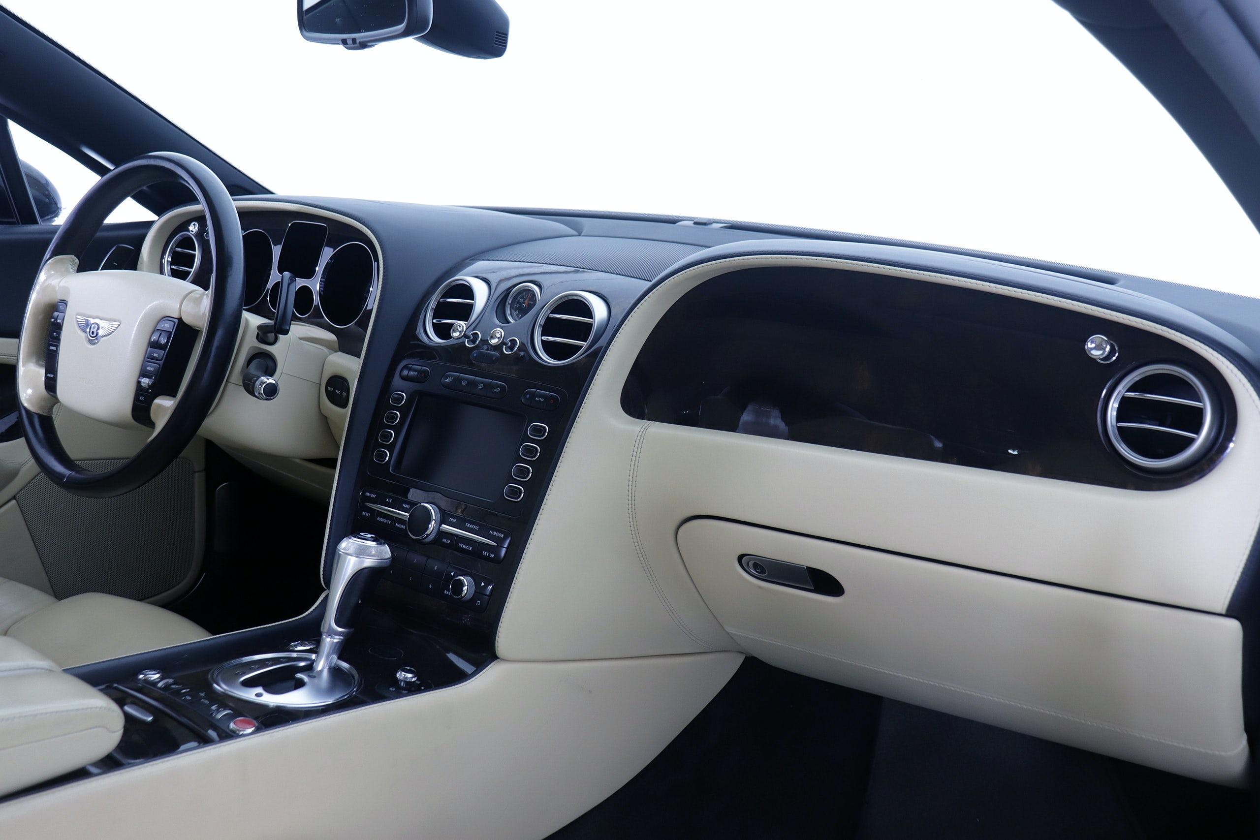 Bentley Continental GT 6.0 560cv Mulliner Auto 2p - Foto 19