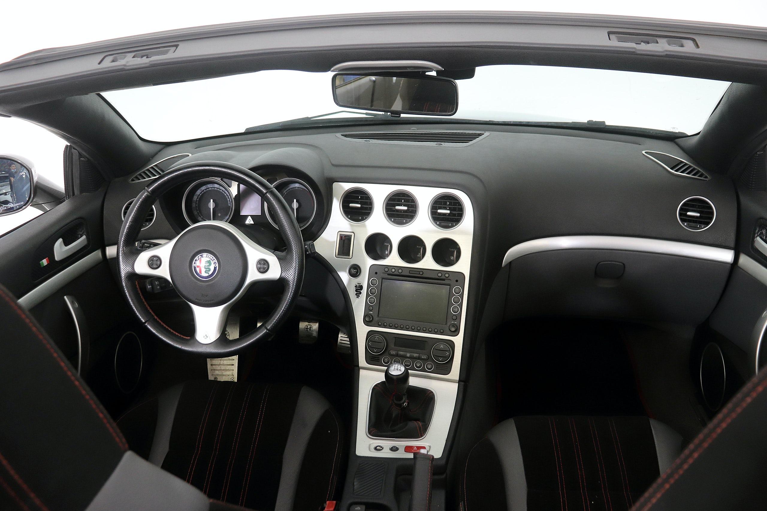 Alfa Romeo Spider 2.4 JTDm 200cv Distinctive 2p - Foto 15